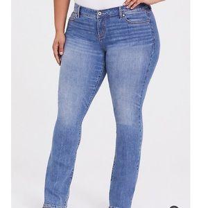 🆕 Torrid NWT Slim Bootcut jeans